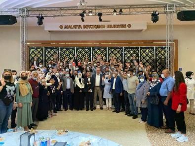 AK Parti'de Bayramlasma Töreni