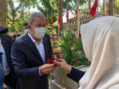 Bakan Akar Kayseri Protokolü Ile Sehitlik Ziyaretlerine Katildi