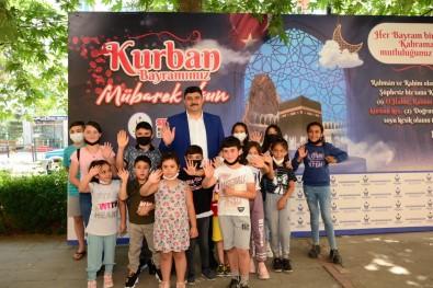 Baskan Oguz Vatandaslarin Bayramini Kutladi