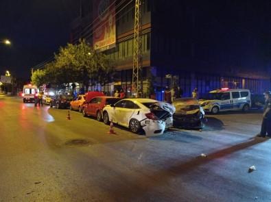 Baskent'te Zincirleme Trafik Kazasi Açiklamasi 7 Yarali