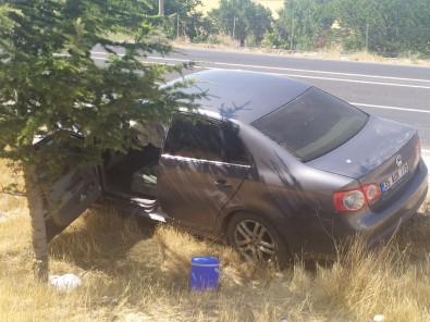 Elazig'da Iki Otomobil Çarpisti Açiklamasi 6 Yarali