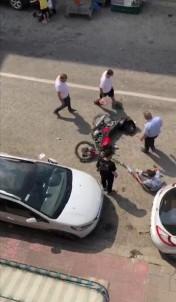 Türkeli'de Motorsiklet Yayaya Çarpti Açiklamasi 2 Yarali