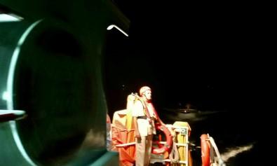 Ariza Yapan Teknede Mahsur Kalan 12 Kisi Kurtarildi