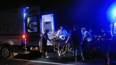 Bayram Yolunda Feci Kaza Açiklamasi 9 Yarali