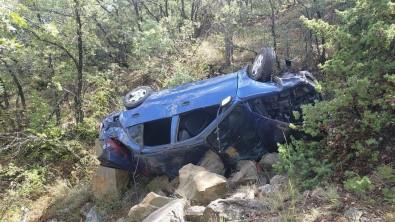 Kontrolden Çikan Otomobil Uçuruma Yuvarlandi Açiklamasi 6 Yarali