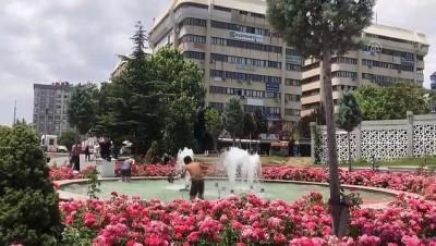 Konya'da Sicaktan Bunalan Çocuklar Tehlikeye Aldirmadan Süs Havuzlarina Giriyor