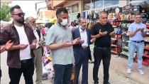 Bilecik'te Evlenen 'Çiftçi Baskan', Traktörü Gelin Arabasi Yapti