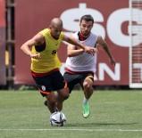 Galatasaray, PSV Maçi Hazirliklarini Sürdürdü