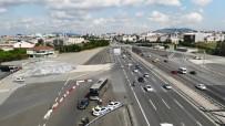 Istanbul'da Helikopter Destekli Trafik Denetimi Havadan Görüntülendi