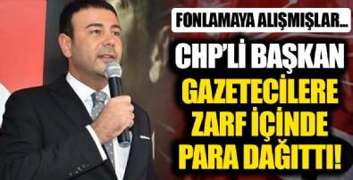 CHP'li Beşiktaş Belediye Başkanı Rıza Akpolat gazetecilere zarf içinde 500 TL dağıttı