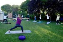 PIYADE - Açik Havada Yoga Etkinligi