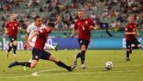 ÇEYREK FİNAL - Danimarka EUR0 2020'De Yari Finalde
