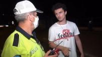POLİS MERKEZİ - Otomobil Ile Ticari Taksi Çarpisti Açiklamasi 2 Yarali