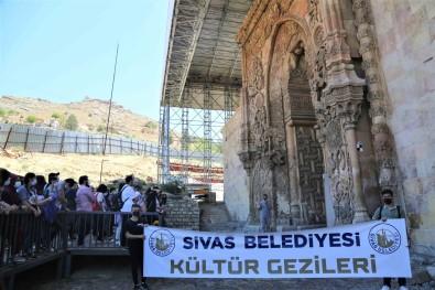 Sivas'tan Divrigi'ye Istiklal Marsi Yolculugu