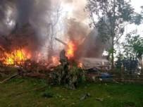 ASKERİ UÇAK - Filipinler'de askeri uçak düştü!