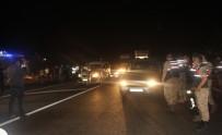 BERABERLIK - Adiyaman'da Kapali Olan Yol 12 Saat Sonra Açildi
