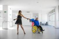 BEDENSEL ENGELLILER - Engelli Özkan, Tekerlekli Dans Yarismasinda Mersin Büyüksehir Belediyesini Temsil Edecek