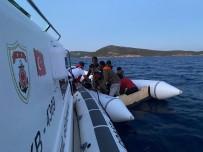 YUNANISTAN - Izmir Açiklarinda 81 Düzensiz Göçmen Kurtarildi