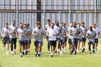 SAKARYASPOR - Samsunspor'da 16 Futbolcu Ayrildi, 12 Futbolcu Transfer Edildi