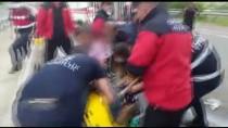 POLİS EKİPLERİ - Bolu'da Kazada Sikisan Kamyon Sürücüsü Kurtarildi