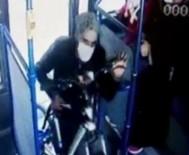TELEVİZYON - Çaldigi Bisikletleri Belediye Otobüsüyle Tasiyan Hirsiz Kamerada
