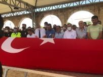 POLİS MEMURU - Hayatini Kaybeden Polis Memuru Topraga Verildi