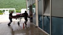 CUMHURIYET - Katliam Gibi Kaza Açiklamasi 4 Ölü, Biri Agir 5 Yarali