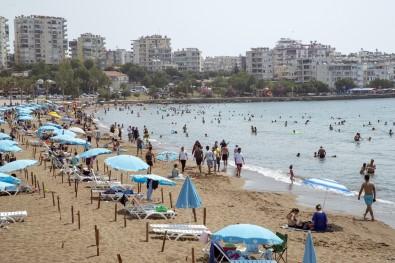 Mersin'de Plajlar Tatilcilerin Akinina Ugruyor