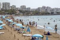 HAFTA SONU - Mersin'de Plajlar Tatilcilerin Akinina Ugruyor