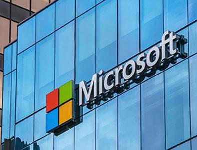 Pentagon, Trump Döneminde Microsoft'un Kazandigi Ihaleyi Iptal Etti
