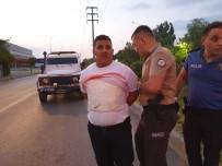 ÇELİK YELEK - Polisin 'Dur' Ihtarina Uymayip Kaçti, Çelik Yelekle Yakalaninca 'Cezaevinden Çiktim Hasimlarim Var' Dedi