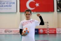 BEŞİKTAŞ - Şanlıurfalı hentbolcu Merve gönülleri fethetti! 'Köyümdeki kız çocuklarının kaderini değiştireceğim'