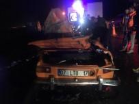 POLİS EKİPLERİ - Tirin Üzerine Devrildigi Otomobil Hurdaya Döndü Açiklamasi 2 Yarali