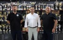 BASKETBOL - Turgutlu Belediyesi Kadin Voleybol Takimi'nda Ilk Imzalar Antrenörlerden