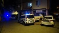 POLİS - Usak'ta Kanli Gece; 1 Ölü, 1 Agir Yarali