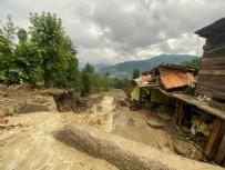 Bartın ve Sinop'u sel vurdu! Yol çöktü, köprüler yıkıldı! Meteoroloji'den uyarı üstüne uyarı geldi...