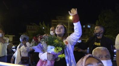 Avrupa Sampiyonu Halterciden Karantinadaki Belediye Baskani Basdegirmen'e Sürpriz