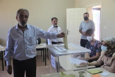 Elazig'da Referanduma Gidilen Köyden 'Evet' Çikti