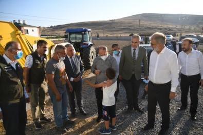 Eski Bakanlar Akdag Ve Yildiz'dan Küçükbas Hayvancilik Isletmelerine Ziyaret