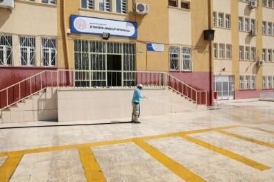 Haliliye'de Okul Bahçeleri Egitim Dönemine Hazirlaniyor