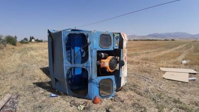 Otomobil Patpata Arkadan Çarpti, 3 Kisi Yaralandi