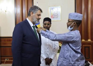 Prof. Dr. Polat'a Çad'da Devlet Nisani Verildi