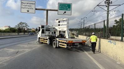 Vatan Caddesi 30 Agustos Provalari Nedeniyle Trafige Kapatildi