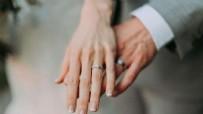 Yargıtay'dan çok konuşulacak karar! Evli çiftler dikkat: Bunu yapmak boşanma sebebi!