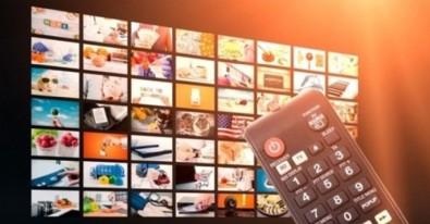 3 Ağustos Salı Yayın Akışı 3 Ağustos Salı ATV Kanal D Show Tv Star Tv Fox Tv TV8 TRT1 Kanal 7 Yayın Akışı 3 Ağustos Salı Televizyonda Hangi Diziler Var?