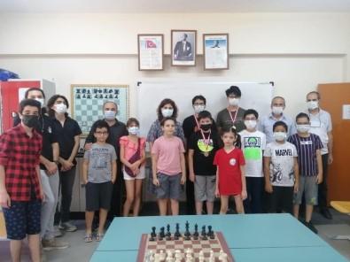 30 Agustos Zafer Bayrami'na Özel Satranç Turnuvasi Düzenlendi