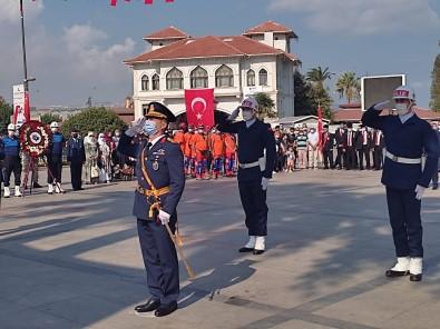 30 Agustos Zaferi Çelenk Sunma Töreniyle Kutlandi