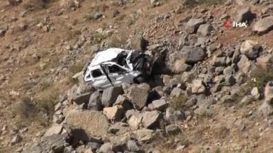 Dügüne Giden Araç Kaza Yapti, Anne Ve Çocugu Öldü, Sürücü Agir Yaralandi