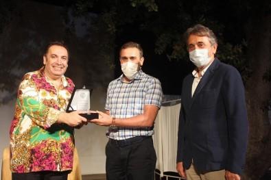 Hayat Kime Güzel, Burhaniye'de Sahnelendi