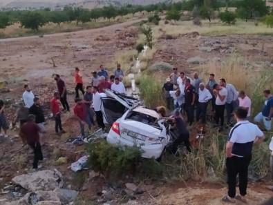 Malatya'da Iki Araç Kafa Kafaya Çarpisti Açiklamasi 1 Ölü, 2 Yarali